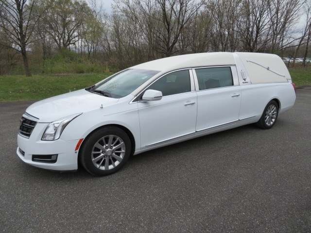 Used 2016 Cadillac S&S Victoria Hearse for sale $78,500 at Heritage Coach Company in Pottstown PA