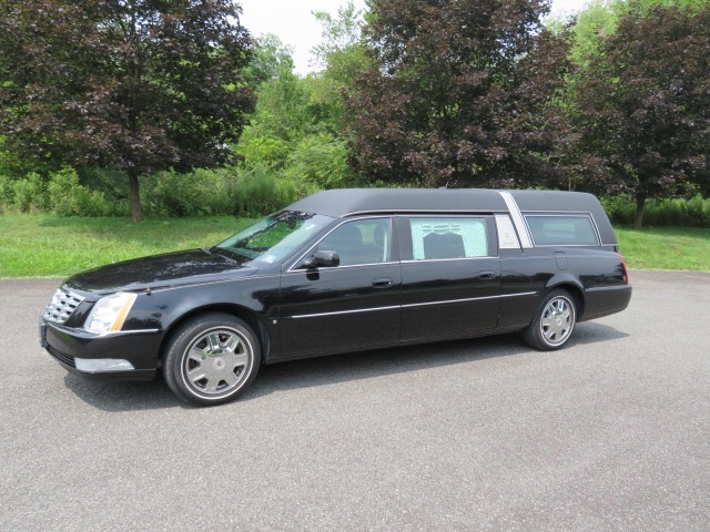 Used 2008 Cadillac Superior Statesman Hearse for sale $29,500 at Heritage Coach Company in Pottstown PA